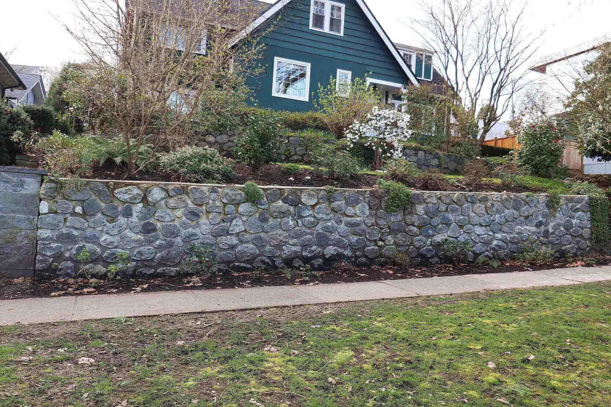 Granite Retaining Wall Downtown Vancouver   Atlantic Stone Care